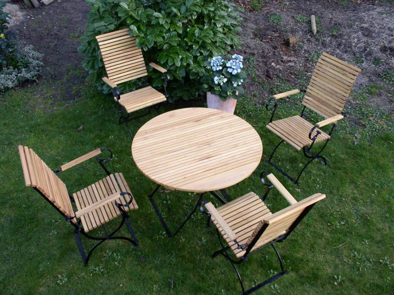wetterfeste gartenm bel runder tisch klappbar metall robinienholz. Black Bedroom Furniture Sets. Home Design Ideas